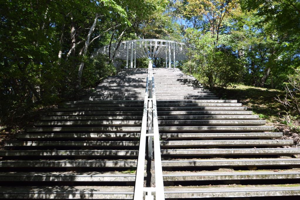 ミューズパーク展望台への階段